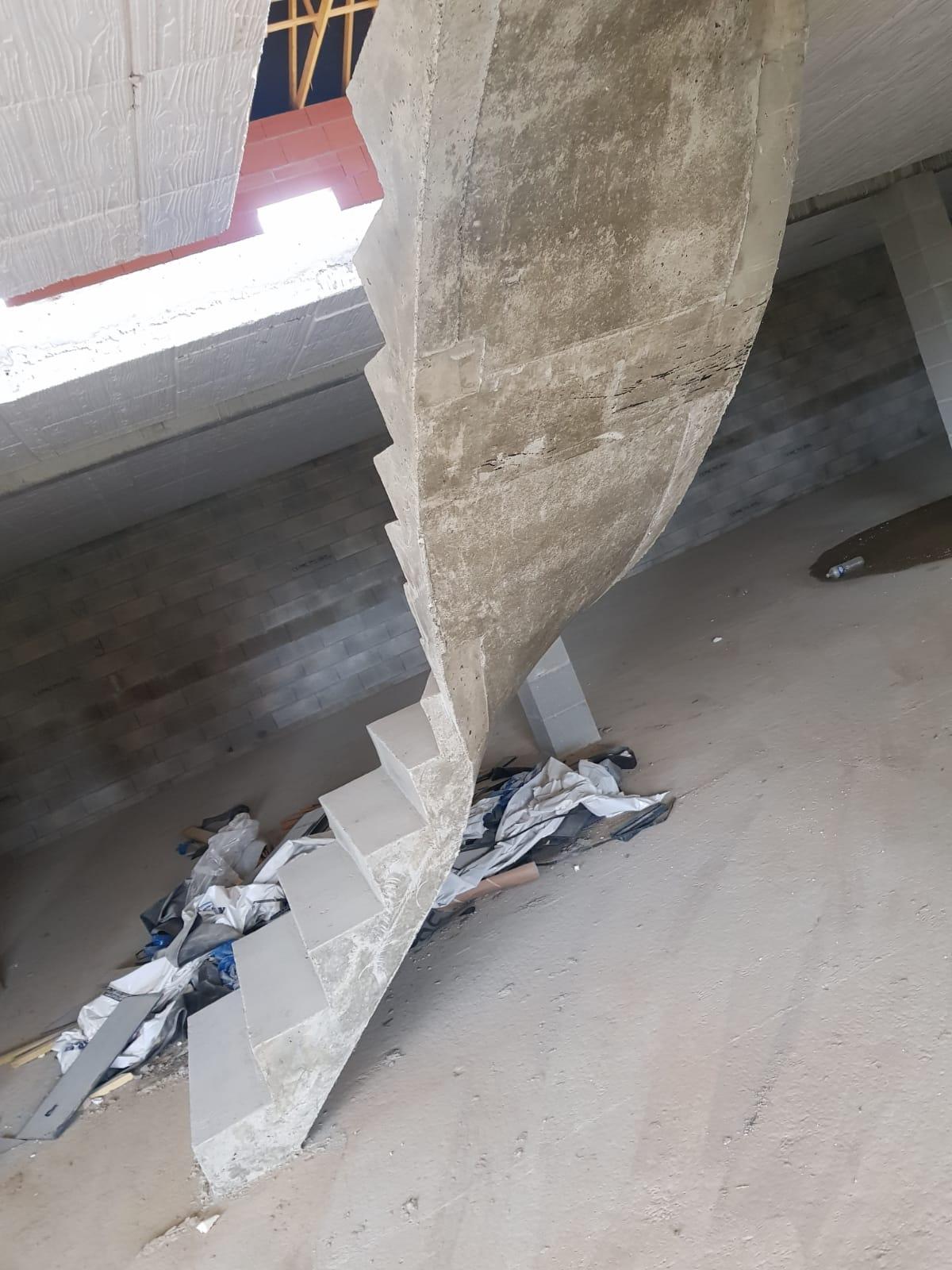 Départ et sous face de l'escalier