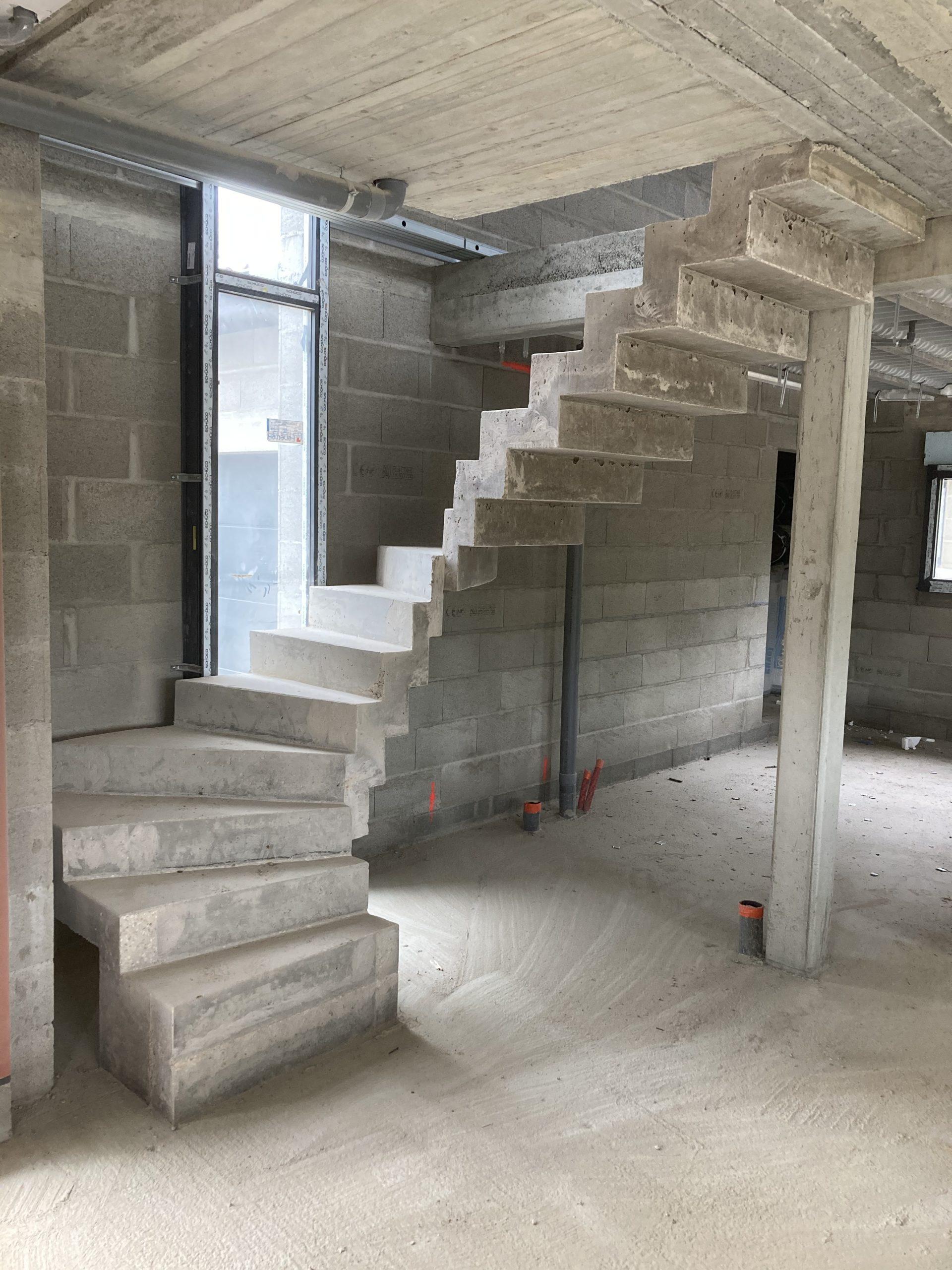 Escalier béton à crémaillère à Limoge