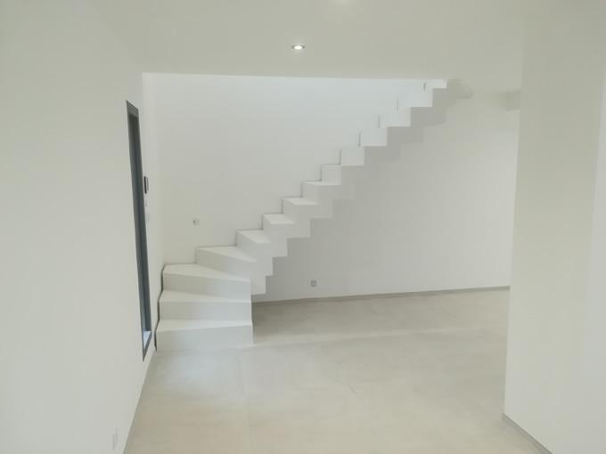 escalier béton à crémaillère
