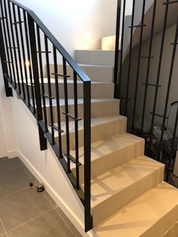 escalier béton à paillasse à Gaillac