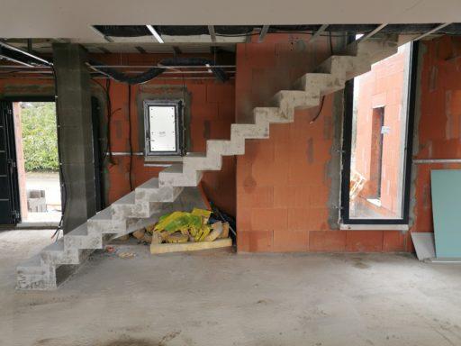 Escalier béton contemporain en crémaillère