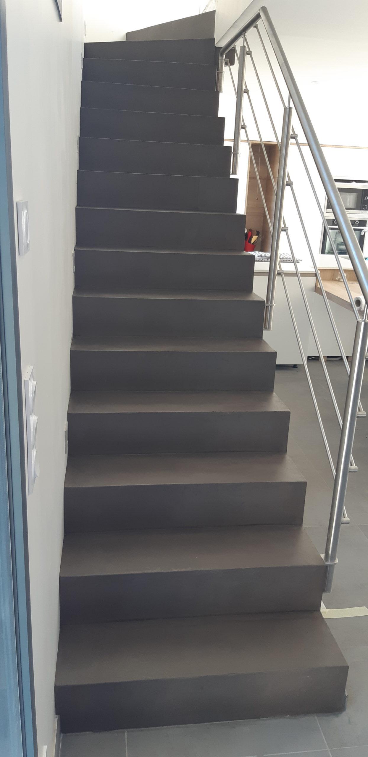 Escalier contemporain et garde corps inox