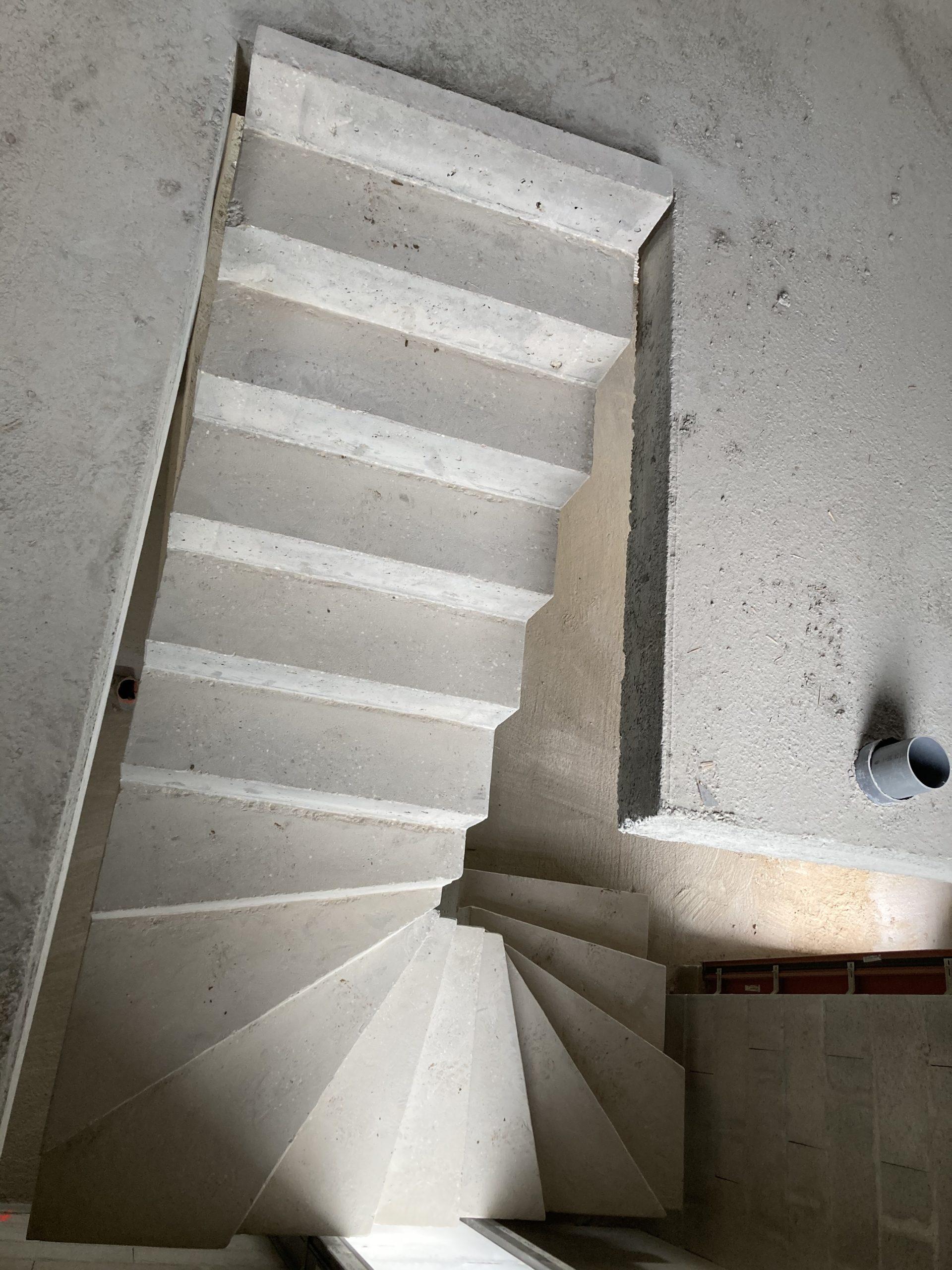 Escalier désign dans une villa à Limoge