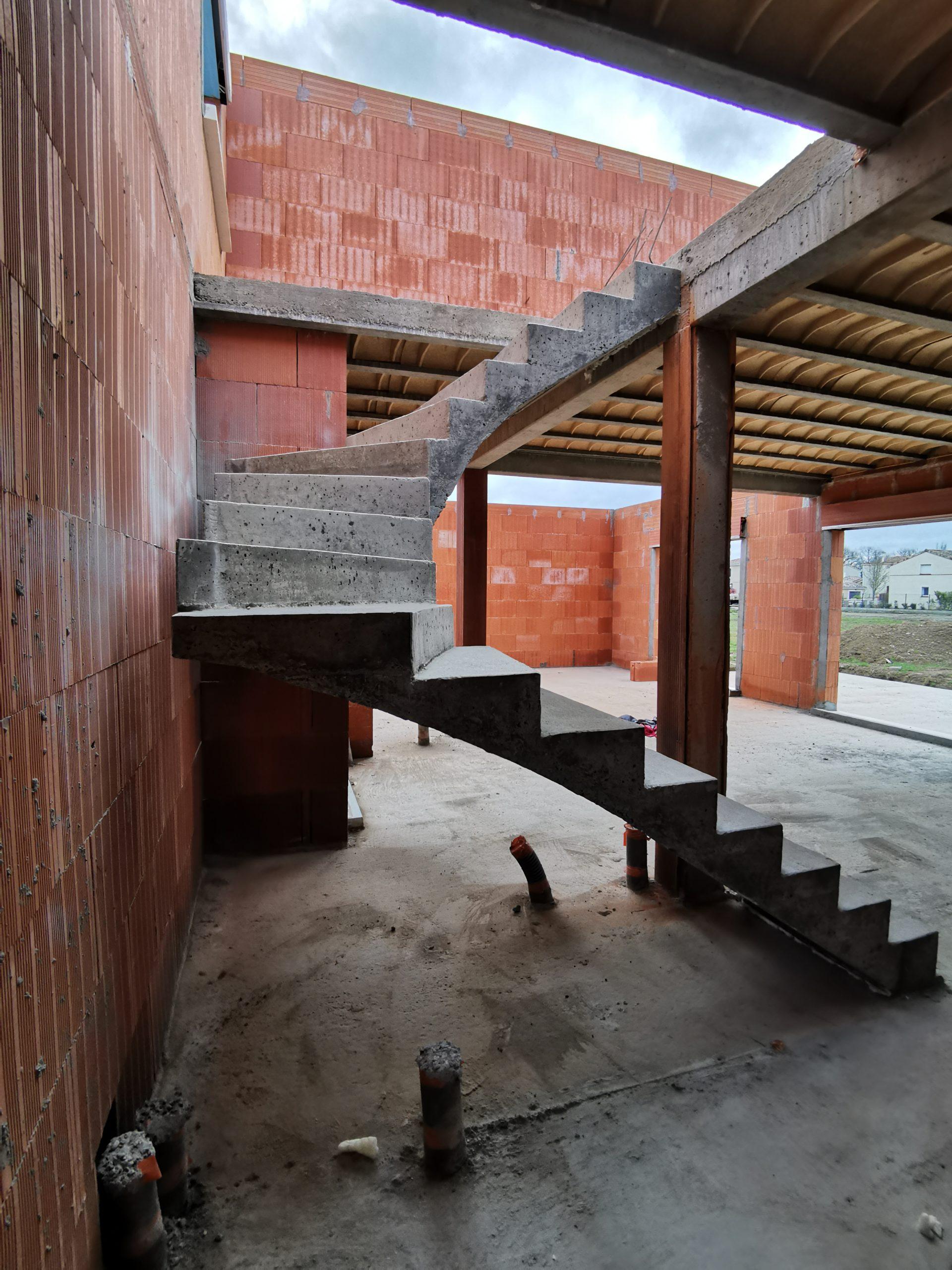 Escalier deux quart balancé avec réservation pour isolant afin d'éviter les ponts thermiques