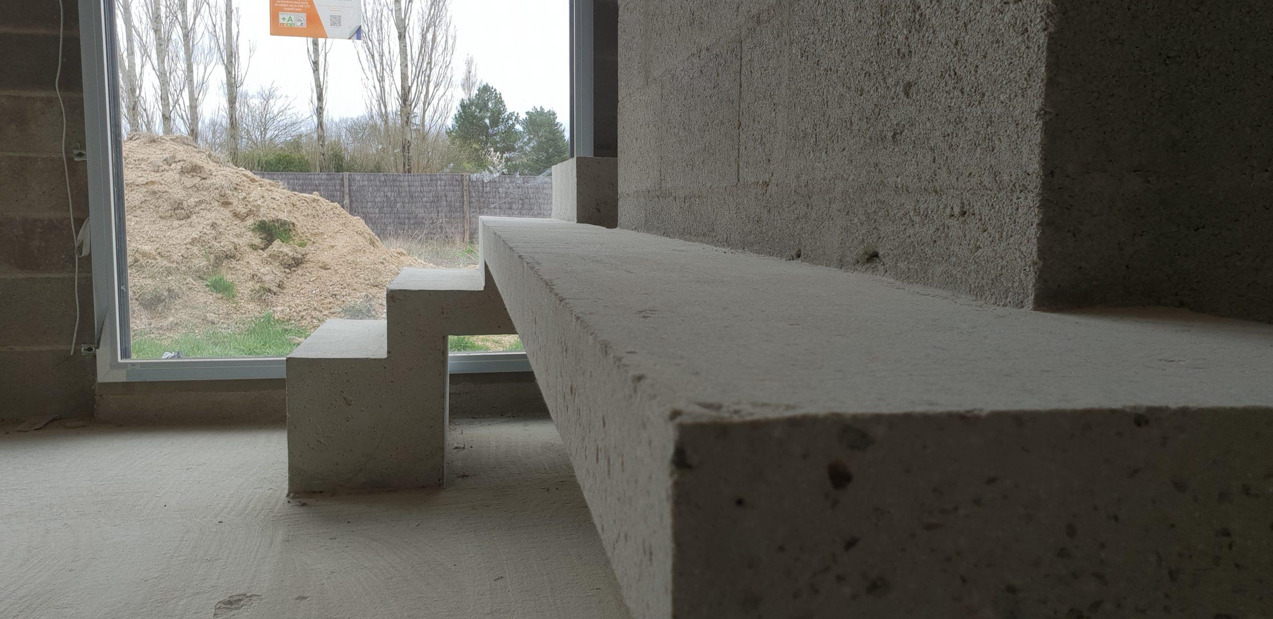 Escalier original dans une maison en construction