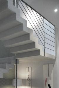 Scal\'in | Fabrication d\'escaliers béton sur site et sur mesure