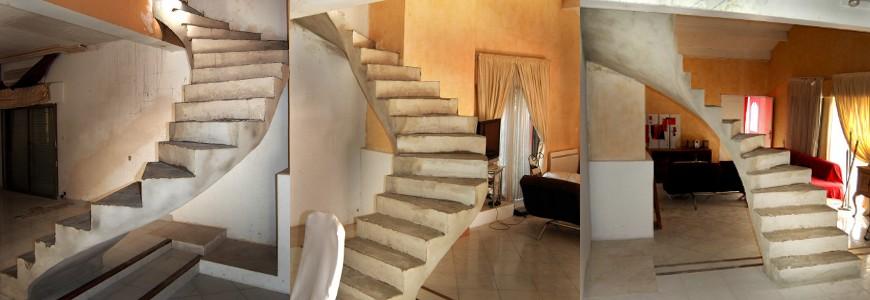 Escalier suspendu, lumière en arc de cercle