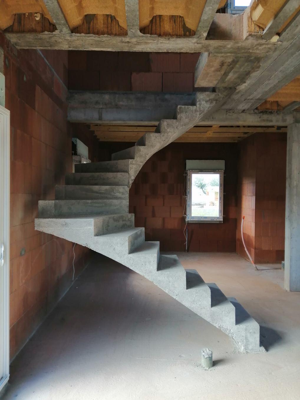 Joue d'un escalier deux quart tournant