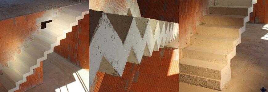 'escalier à crémaillère contre cloison