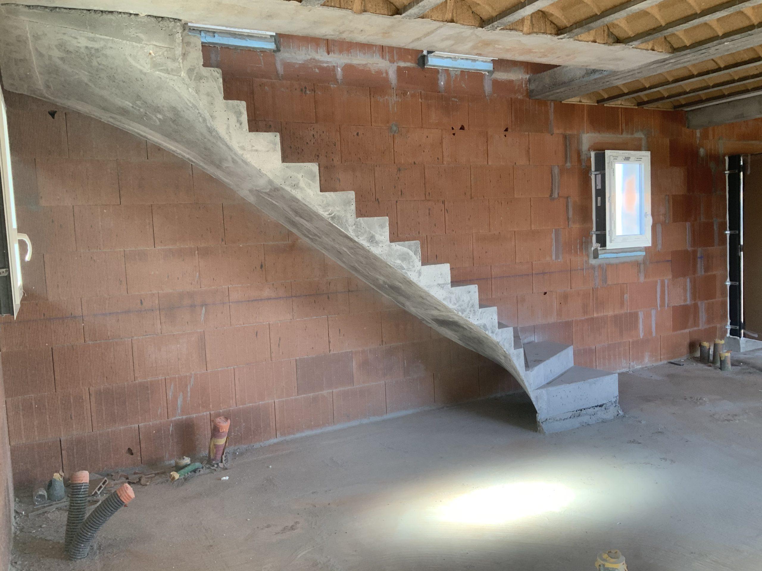 Paillasse d'un escalier béton tournant