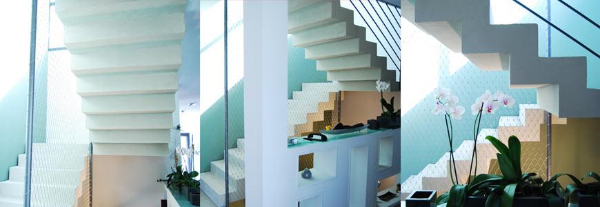 Double escalier crémaillère droit en béton ciré