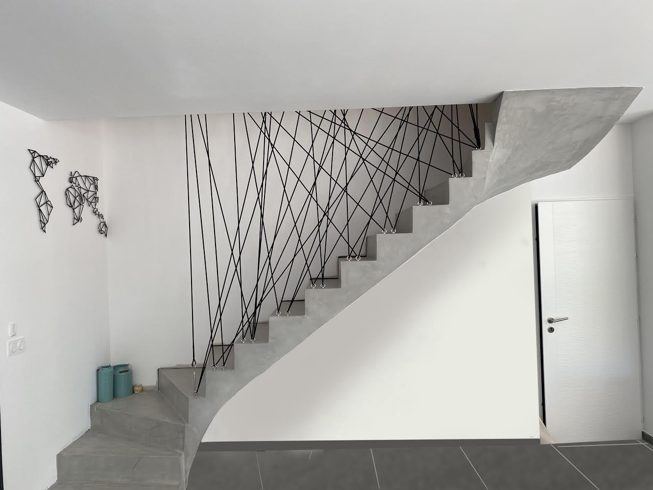 Protection en cordage d'un escalier