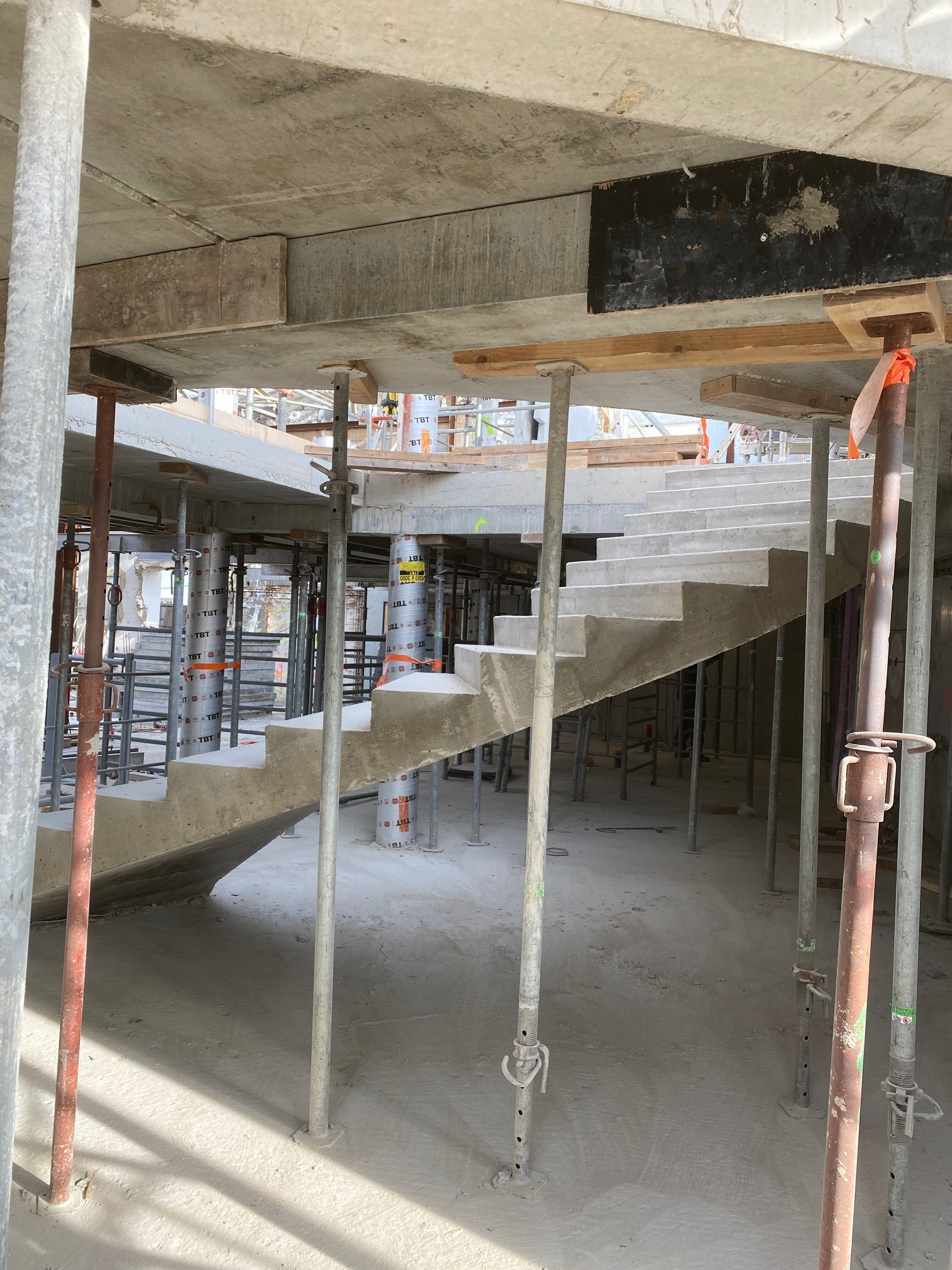 Quand le béton peut lier légèreté et robustesse avec les escaliers Scal'in