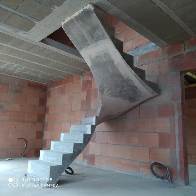 Réalisation d'un escalier béton en Aquitaine